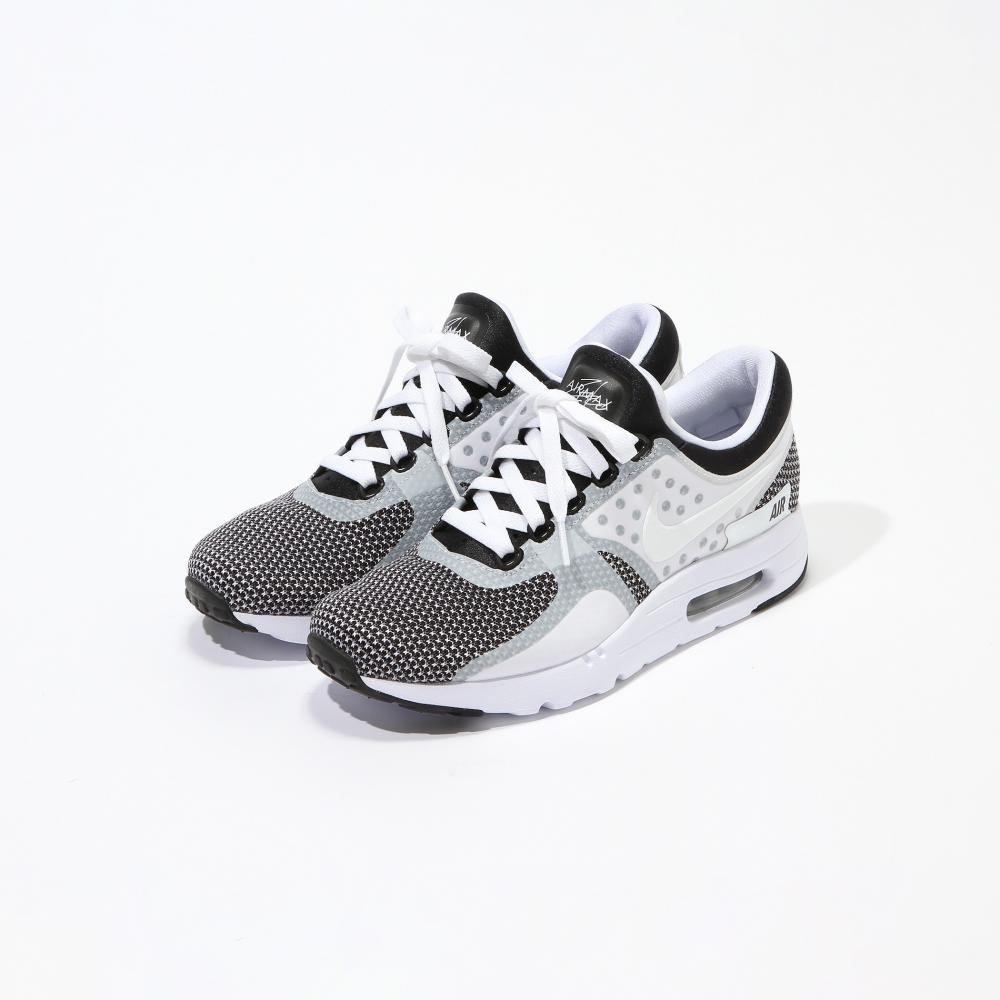 NIKE AIR MAX ZERO ESSENTIAL スニーカー